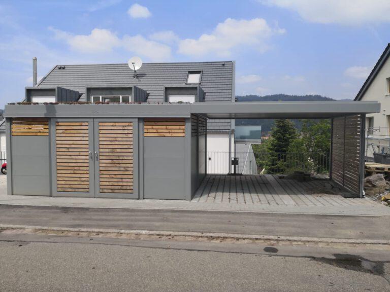 Carport mit großer seitlicher Mülleinhausung und Gründach 1